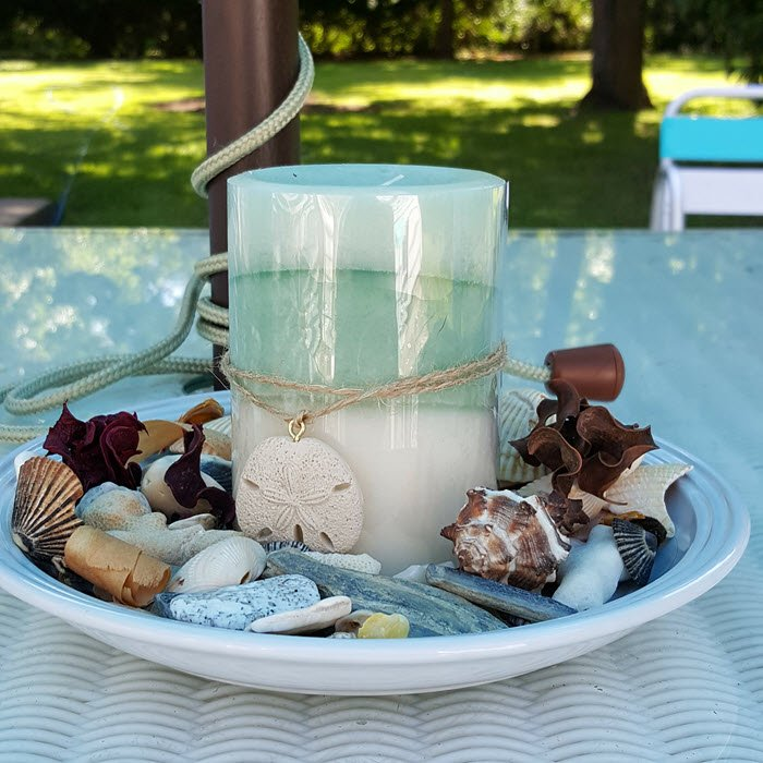 coastal-candle-and-seashells