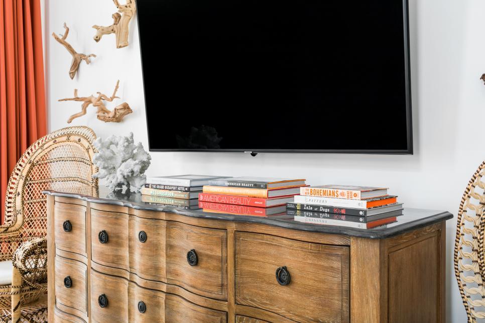 coastal style bedroom dresser
