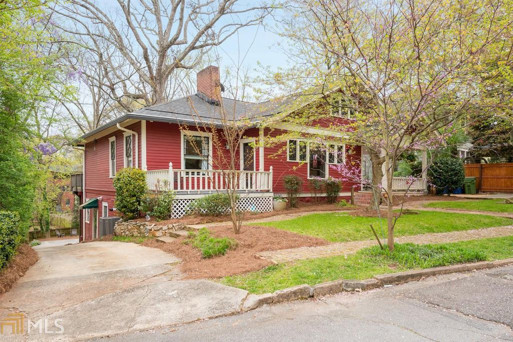 Craftsman Bungalow in Atlanta GA for sale - Lovely Bungalow with many modern updates.