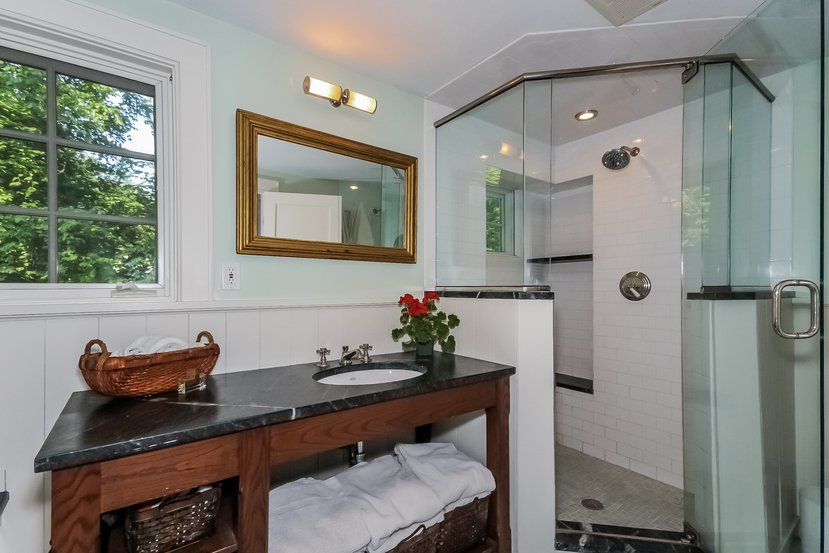 Craftsman Colonial for sale in Connecticut - Bathroom