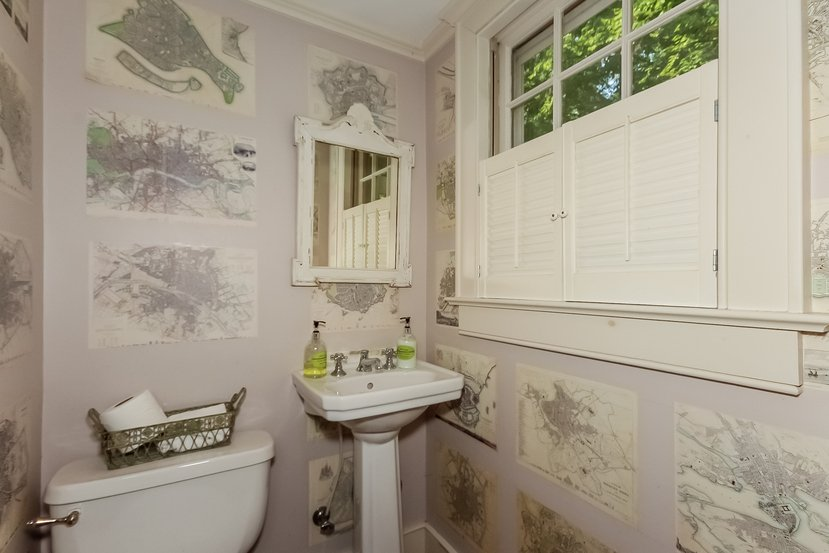 Craftsman home for sale in Connecticut - Bathroom