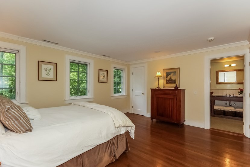 Craftsman home for sale in Connecticut - Bedroom