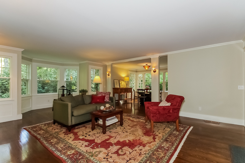 Craftsman house in Connecticut for sale - living room with large bay window