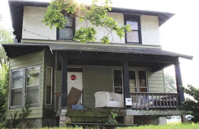 Dick Van Dyke Childhood Home Needs Tuppence
