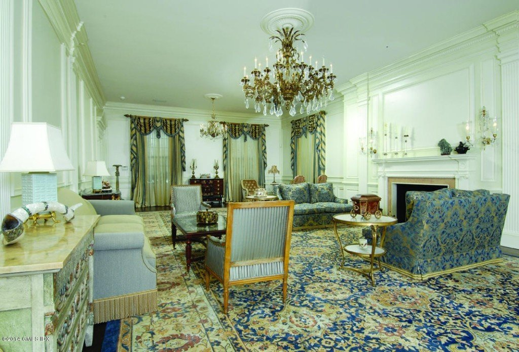 Donald Trumps house elegant living room