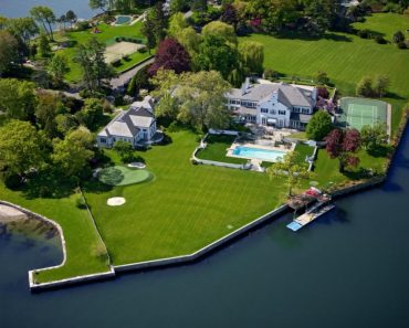 Donald Trump waterfront paradise