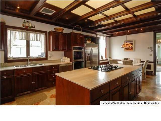 Elegant Victorian home with spacious kitchen - 269 Howard Ave Staten Island NY for sale 2