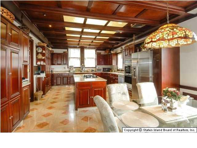 Elegant Victorian home with spacious kitchen - 269 Howard Ave Staten Island NY for sale