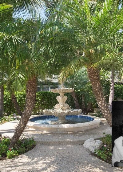 Elizabeth Taylor Home in Beverly Hills For Sale for the 1st time in over 20 years. A historical 1950s icon