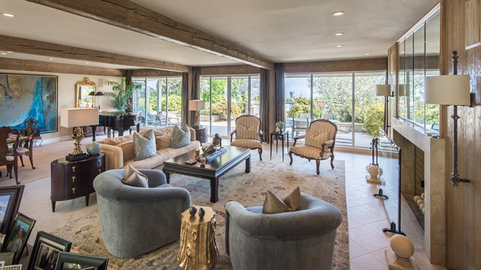 Elizabeth Taylor Home in Beverly Hills is on the market for the first time in over 20 years.