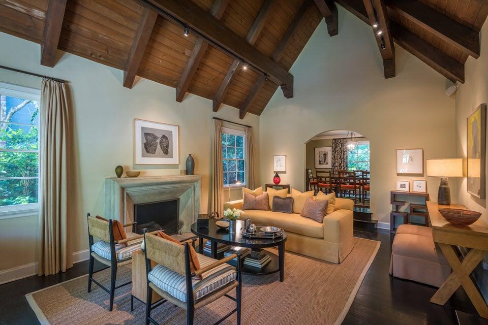 English Country home on Boca De Canon Lane LA for sale