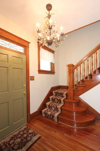 Entrance inside home for sale Glen Ellyn IL