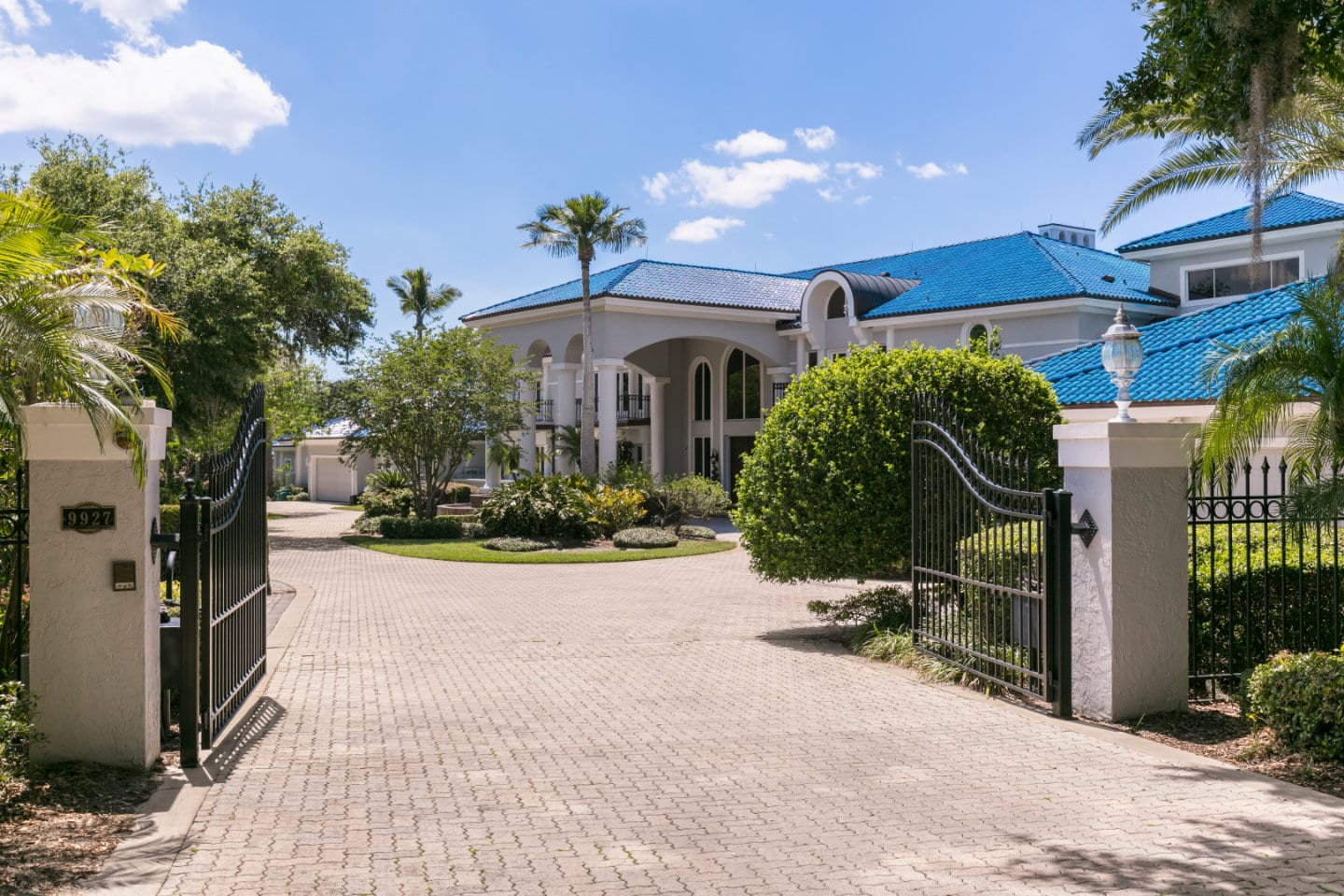 Entrance to the Shaquille O'Neal Florida Mansion