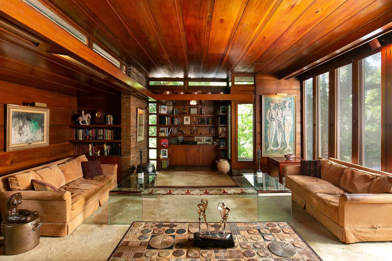 Frank Lloyd Wright house  the Sondern Adler house in MO up for auction.