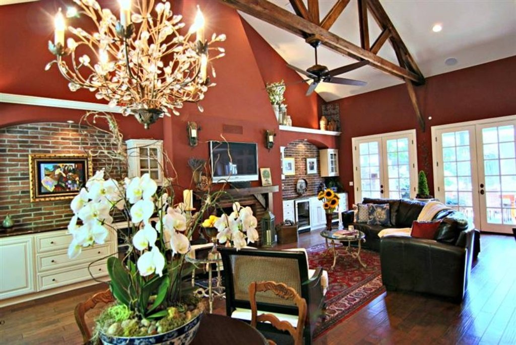 Family room - Sacramento, CA home recently sold. Beautiful grounds, patio, pool. Inside is stunning.