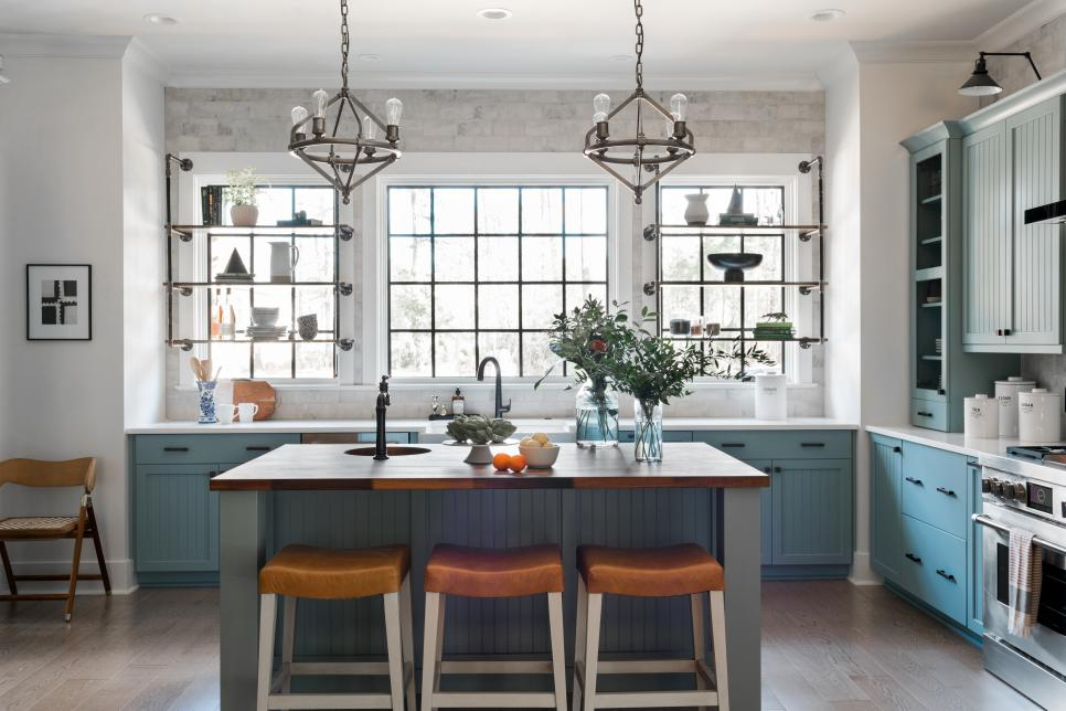 Farmhouse inspired kitchen in the HGTV Smart Home 2018