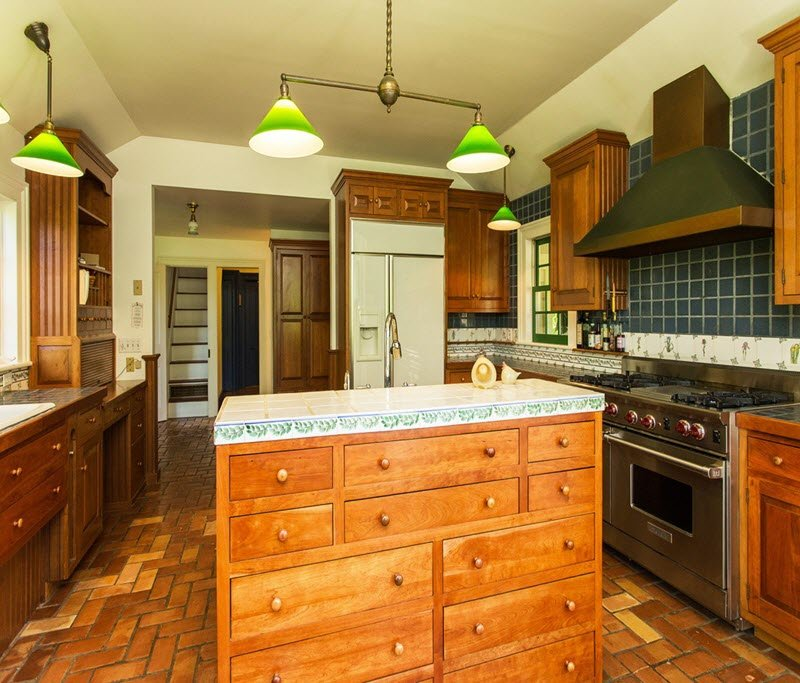 Farmhouse kitchen in Daley Farm for sale 3