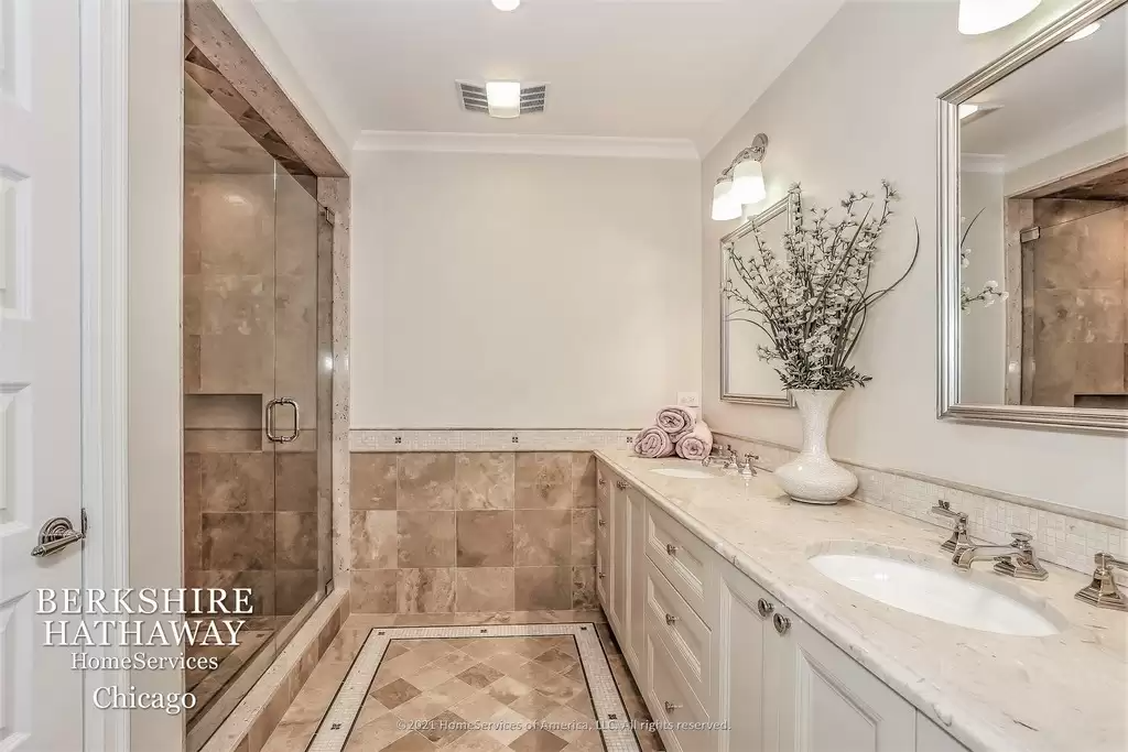 Bathroom in beautiful Highland Park Il for sale.