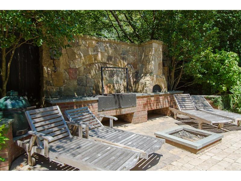 Pizza oven, fire pit and more in this Atlanat Georgia home for sale at 276 9th St