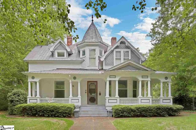 Front Porch Southern Living with The Sitgreaves House in Laurens South Carolina is a sweet 1907 Queen Anne style beauty