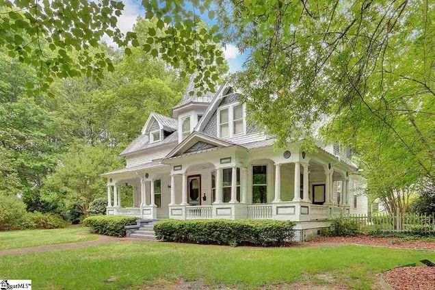 Front Porch Southern Living with The Sitgreaves House in Laurens South Carolina is a sweet 1907 Queen Anne style home for sale