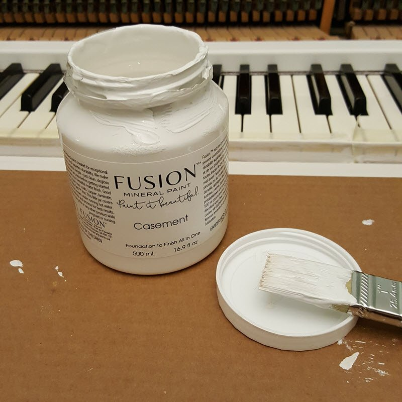 fusion-mineral-paint-casement-white