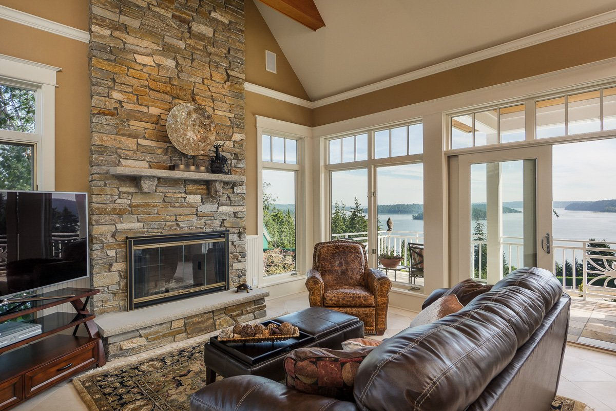 Gibralter Equestrian Estate in Anacortes, Washington - Family room