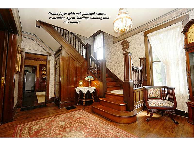 Grand Foyer - Silence of the Lambs house where Agent Starling captured Buffalo Bill