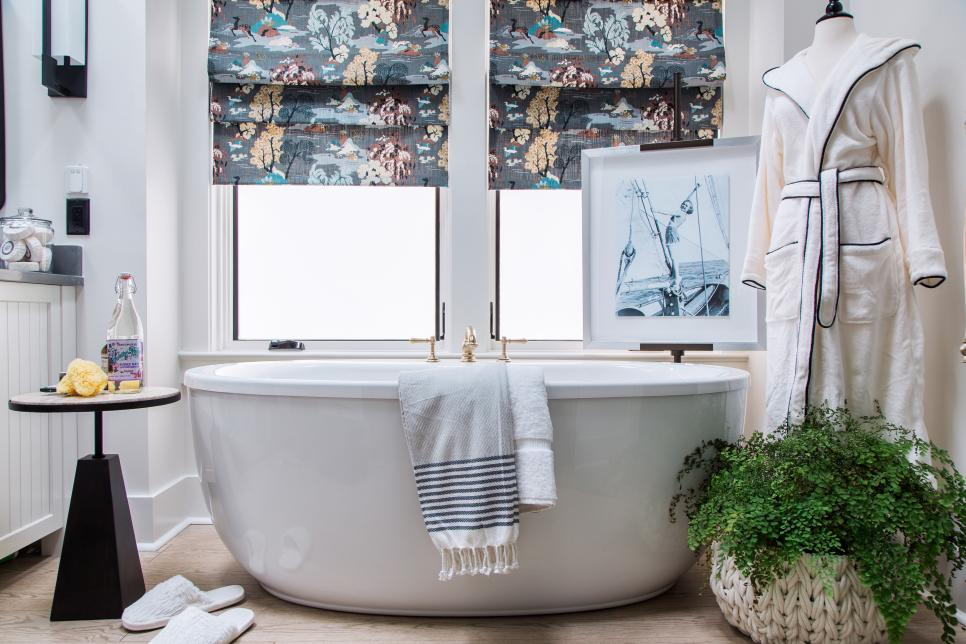 HGTV Smart Home 2018- Master Bath tub