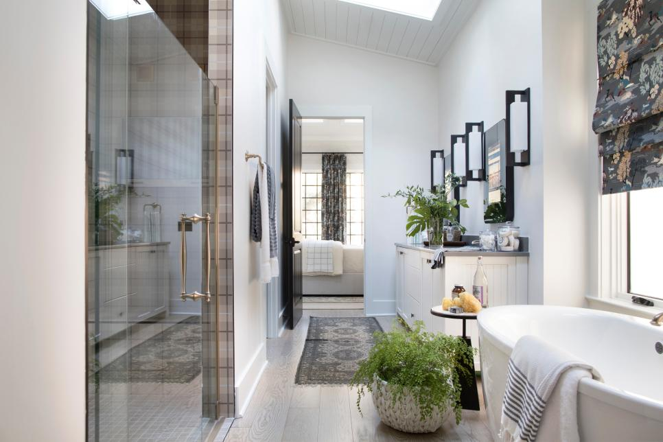 HGTV Smart Home 2018- Master Bath