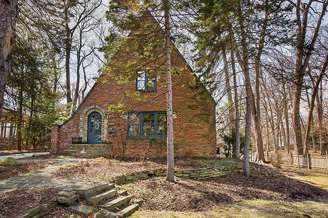 House Hunting? This is a Charming Tudor in Glen Ellyn IL Keller Williams Realty