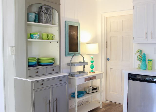 Coastal Joy Cottage Kitchen - Tybee Island Mermaid Cottages