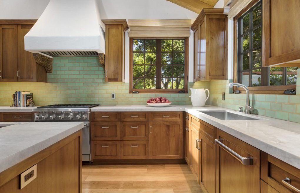 See kitchen in the Jeff Bridges Montecito house