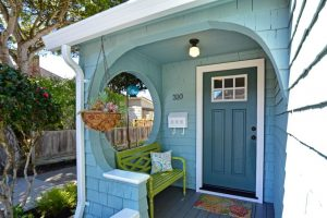 Ideal Tiny Coastal Cottage in Pacific Grove CA for sale