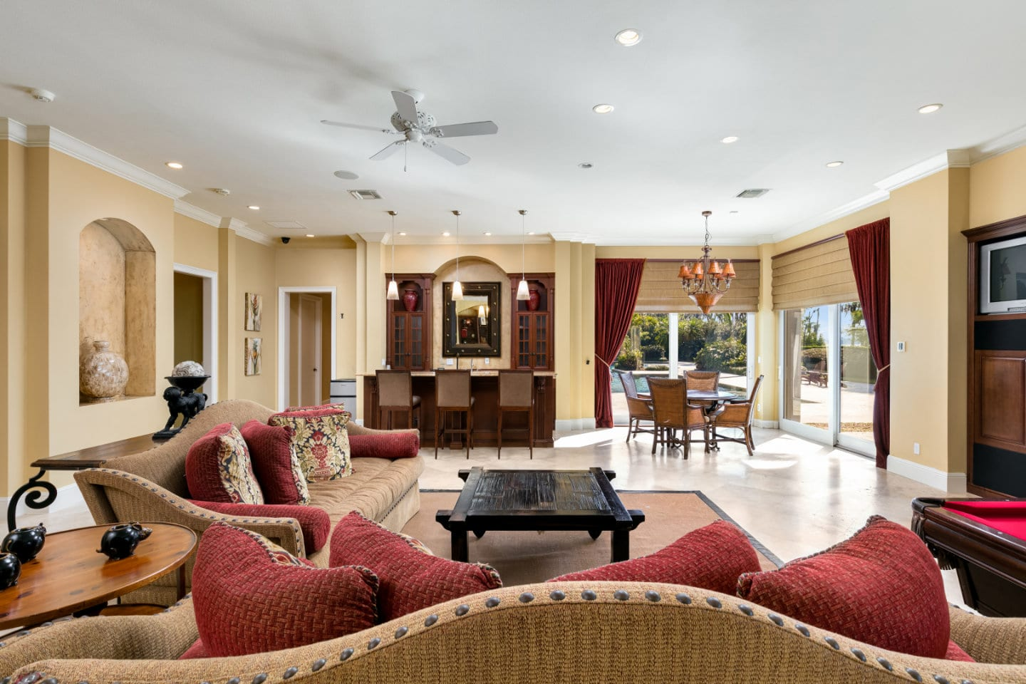 Inside Shaquille ONeal Gradious Mansion in Florida For Sale
