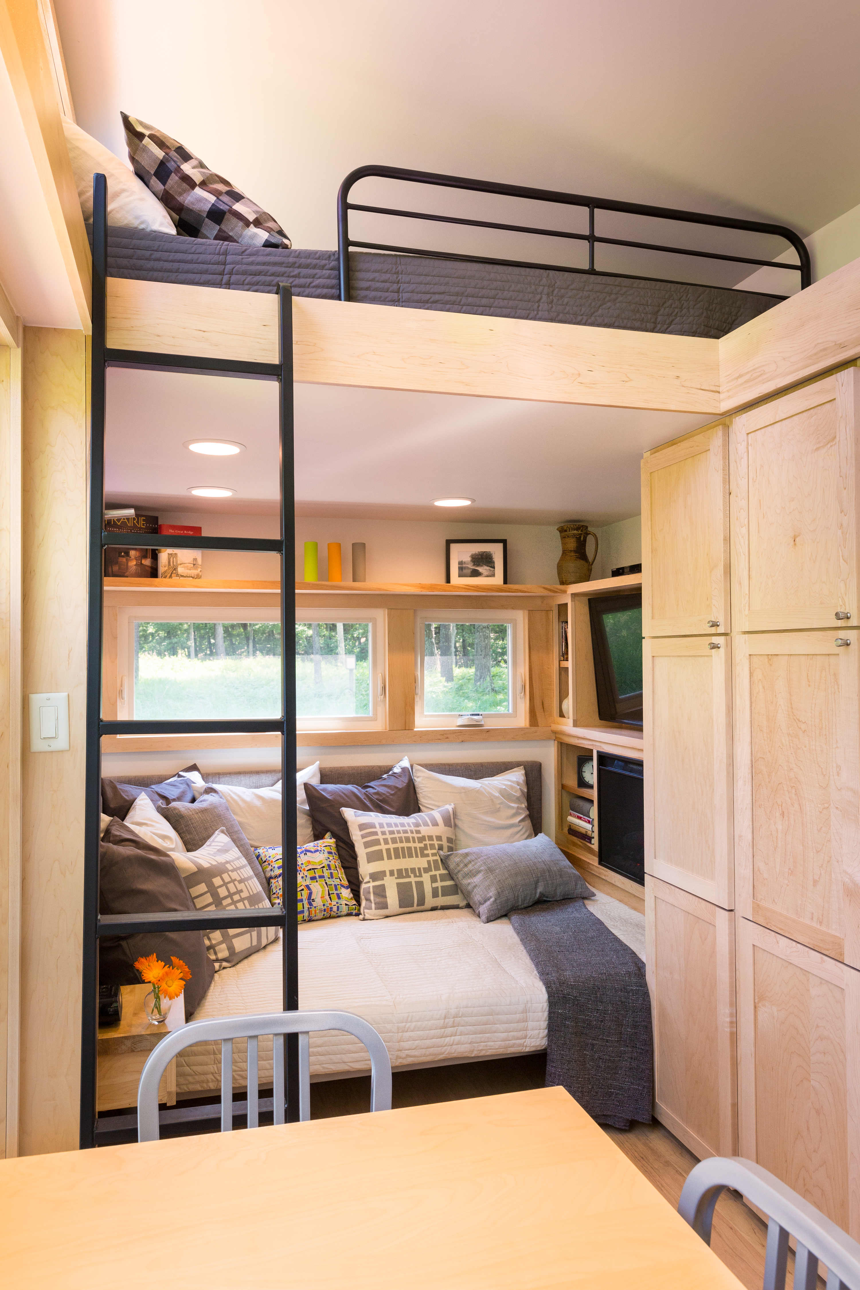 Awesome Escape Traveler Tiny House On Wheels Largest Home Design Picture Inspirations Pitcheantrous