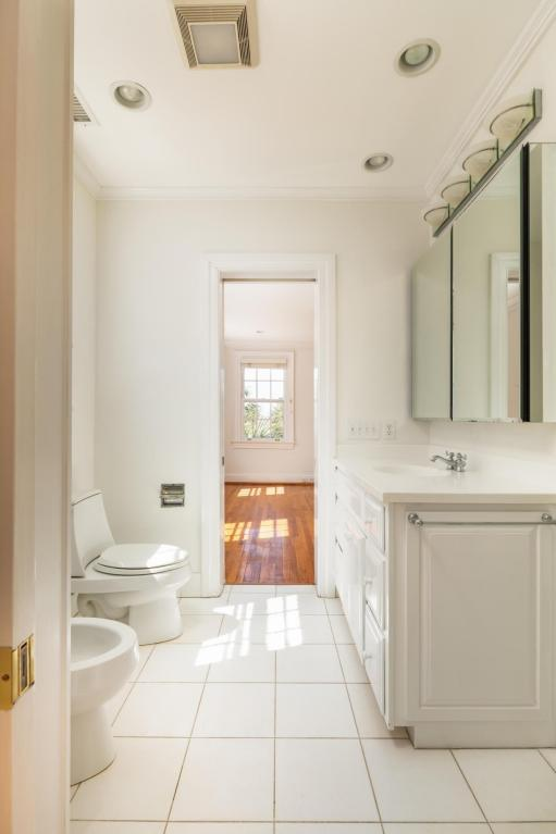 Inside the Pretty Pink Plantation House for sale 101 Murray Blvd Charleston SC - Bathroom