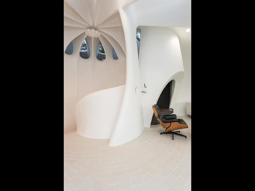 The unusual shaped sand dollar house in Texas for sale
