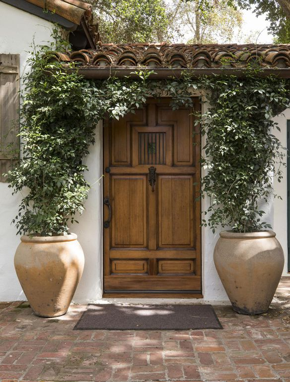 Entrance to Jeff Bridges home on the market