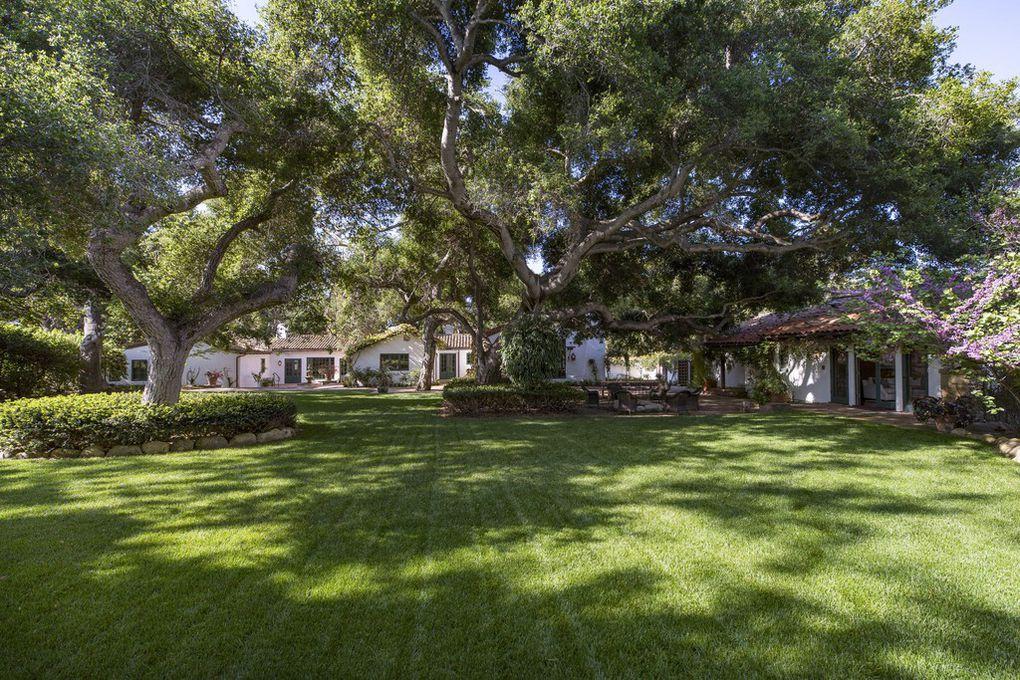 Jeff Bridges Spanish-style ranch in Ca on the market