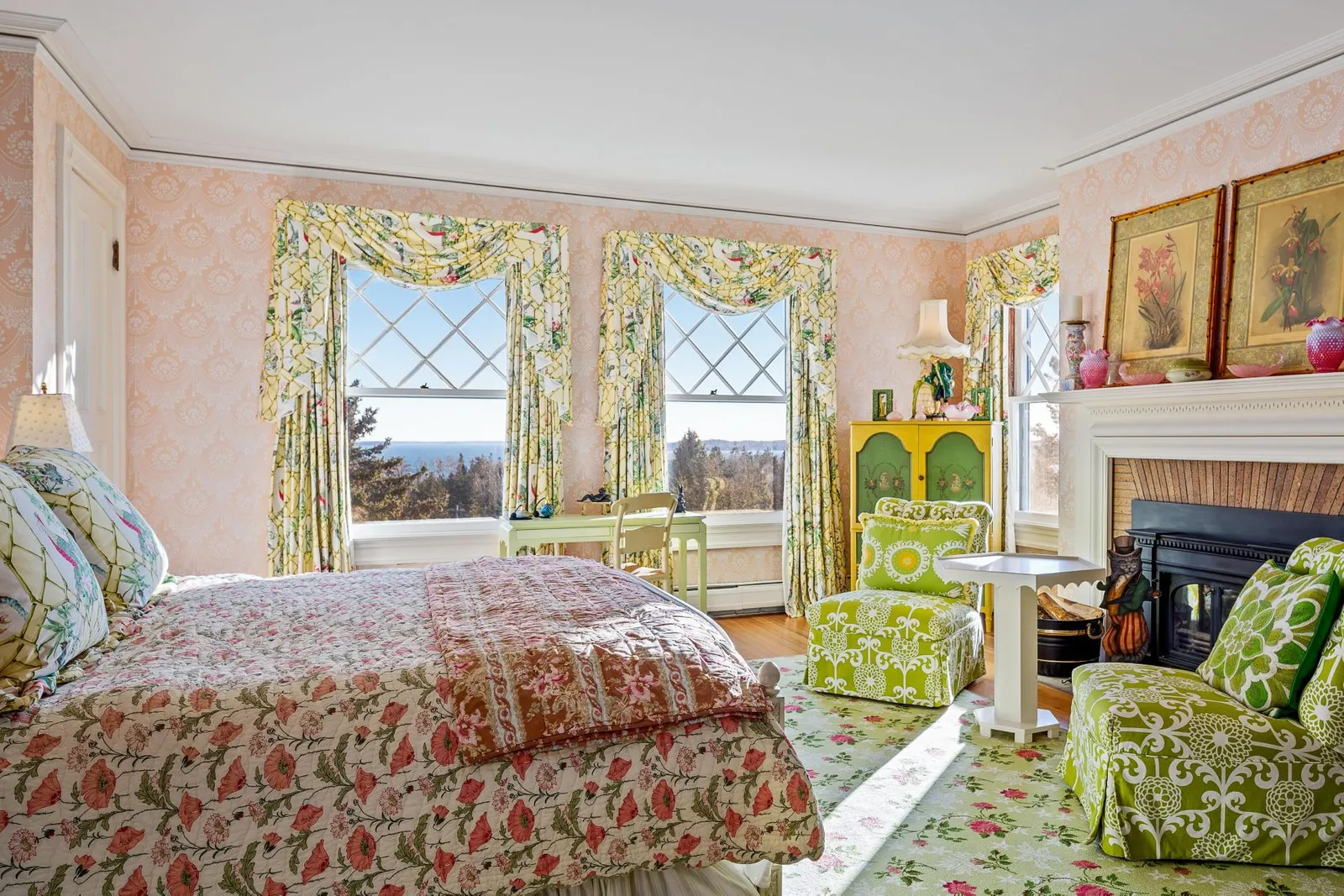 Inspirational bedroom decorating ideas. John Travolta home in Maine on the market.
