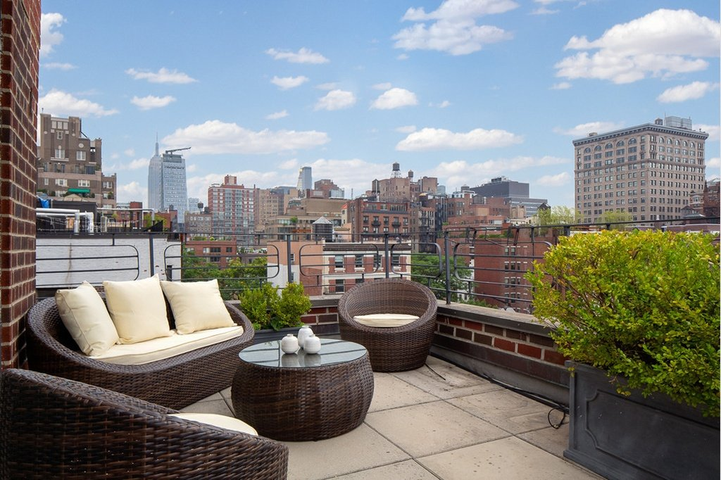 Julia Roberts Greenwich Village home - Terrace views
