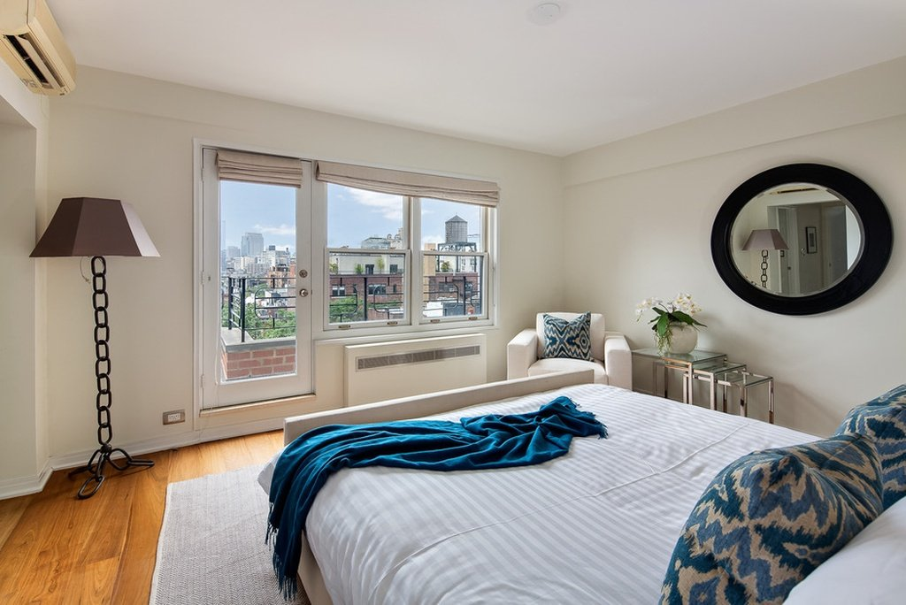 Bedroom in Julia Roberts home for sale in Greenwich Village