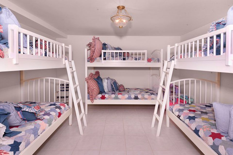 Kathy Lee Gifford home in Key Largo FL for sale - Children's Bedroom with 3 bunkbeds sleeps 6