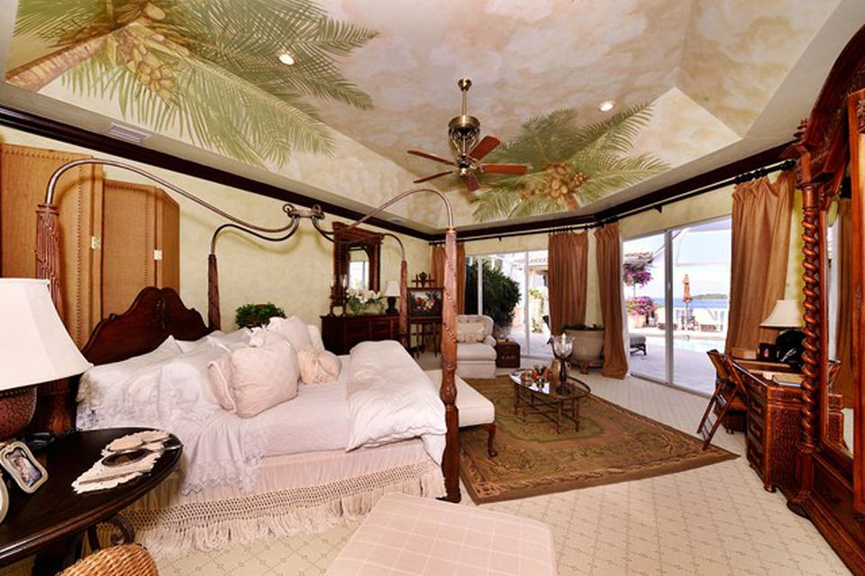 Kathy Lee Gifford home in Key Largo FL for sale - Elegant Bedroom