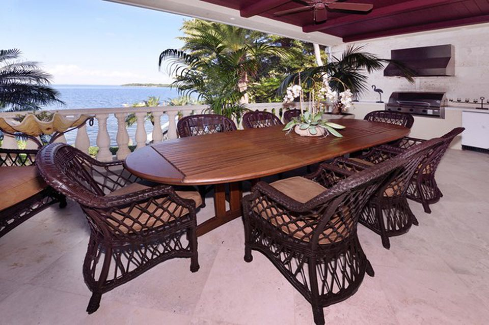 Kathy Lee Gifford home in Key Largo FL for sale is a masterpiece with panoramic views. Outside dining area