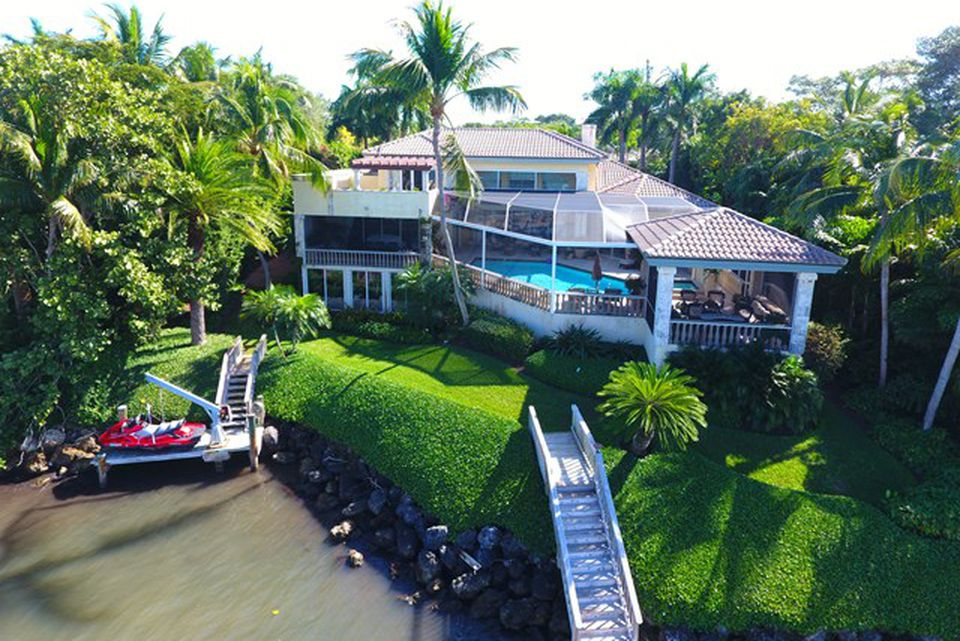 Kathy Lee Gifford home in Key Largo FL for sale is a masterpiece with panoramic views.. This is the oceanfront view of the homejpg