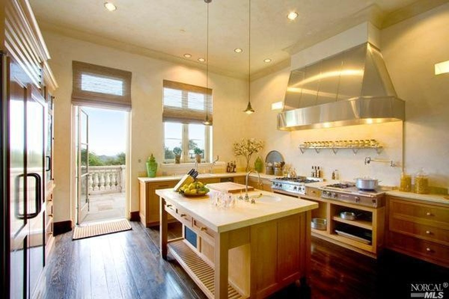 Kitchen - Robin Williams Napa Valley Estate on the market