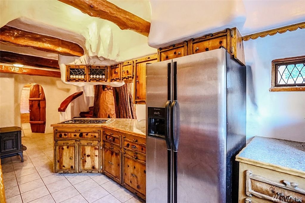 Kitchen - Snow White's Cottage for sale in Olalla WA