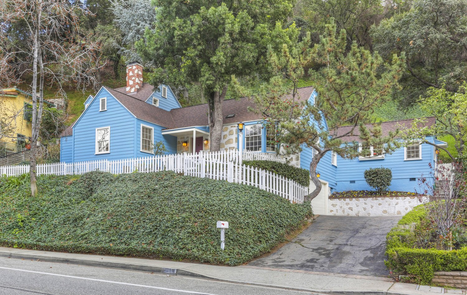 Loveable blue Pennsylvania Dutch Cottage by Hollywood architect Gerard Colford for sale in Glendale CA